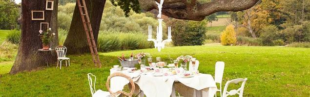 Pomysł na oryginalną aranżację ogrodu, czyli porcelana w roli głównej