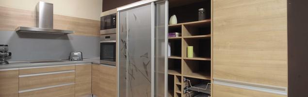 Spiżarnia w małej kuchni – jak urządzić